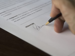 firma contrato menorca